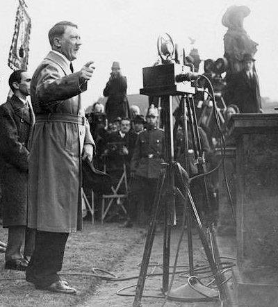 hitler speaking in lustgarten berlin 1932 the mein